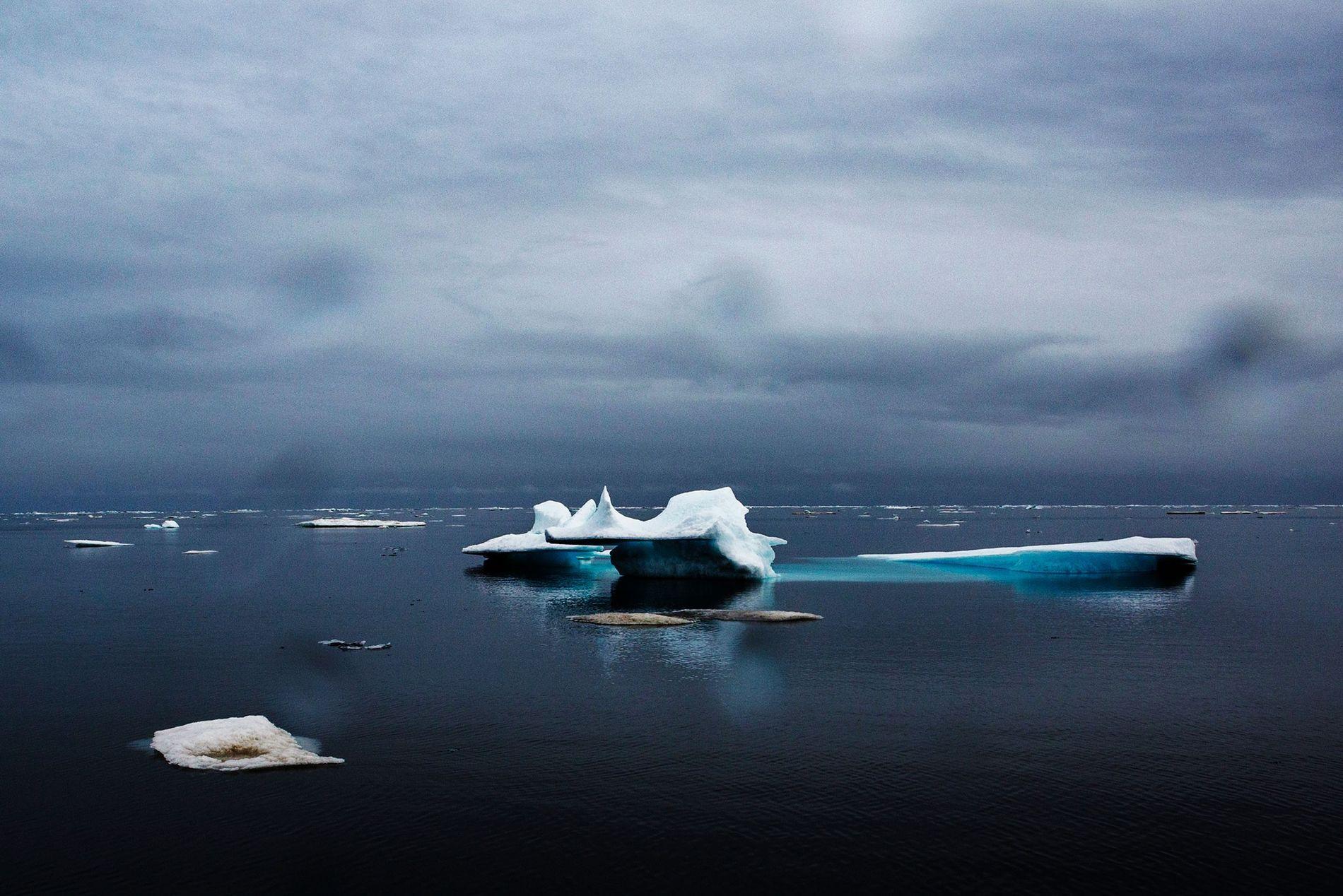 Oceano Ártico em Barrow, no Alasca, em junho de 2015, após o inverno mais quente registrado ...