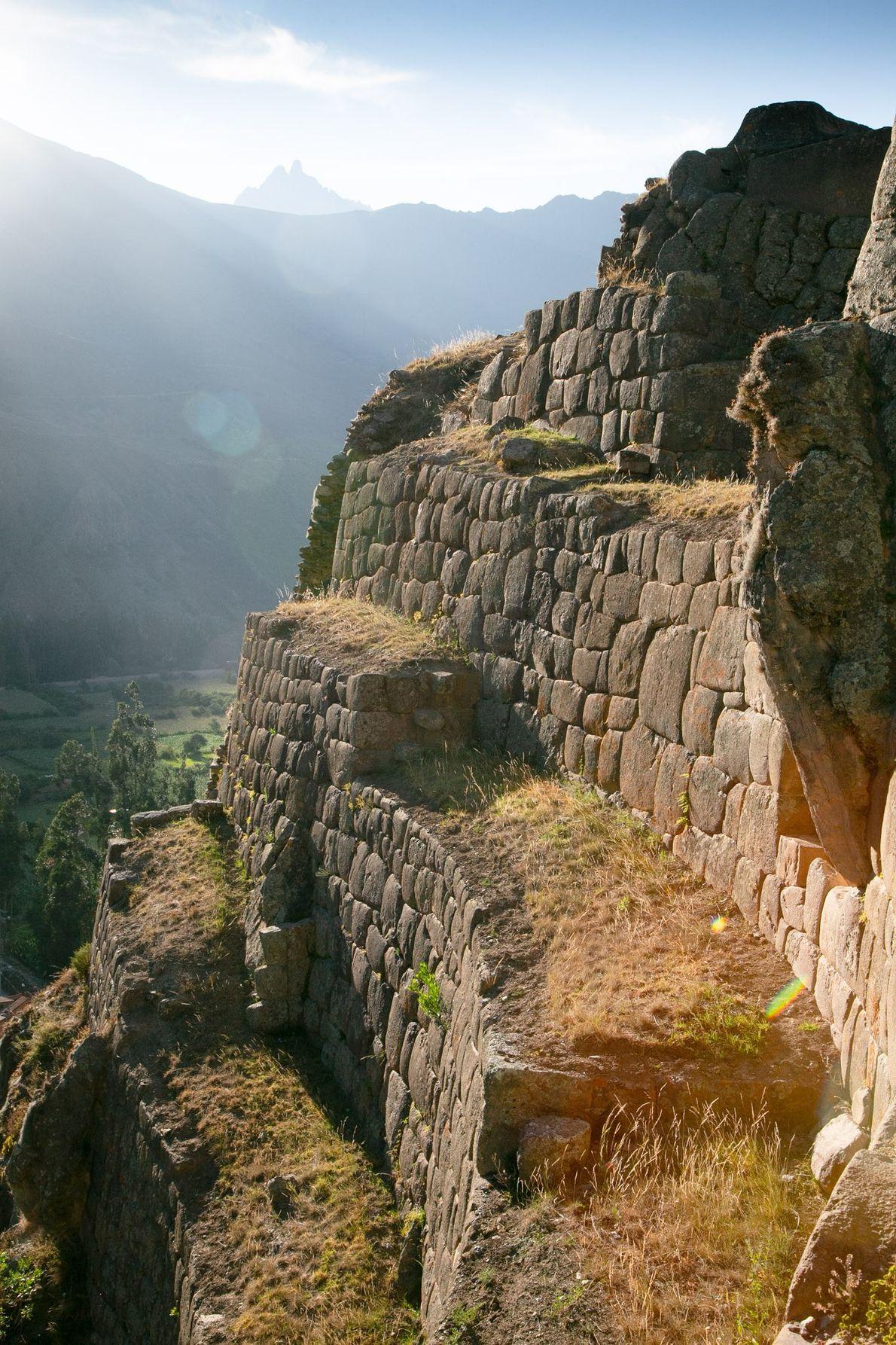 A antiga cidade de Ollantaytambo, conhecida pela enorme fortaleza Inca.