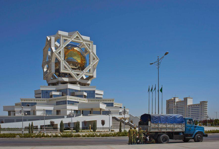 Palácio da Alegria (2011) - Ashgabat, Turquemenistão