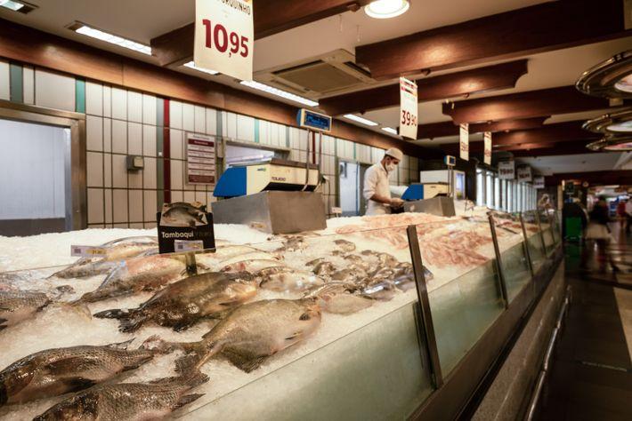 Segundo relatório da Abras de 2020, 29% dos supermercados do país não possuem programas dereaproveitamento de ...
