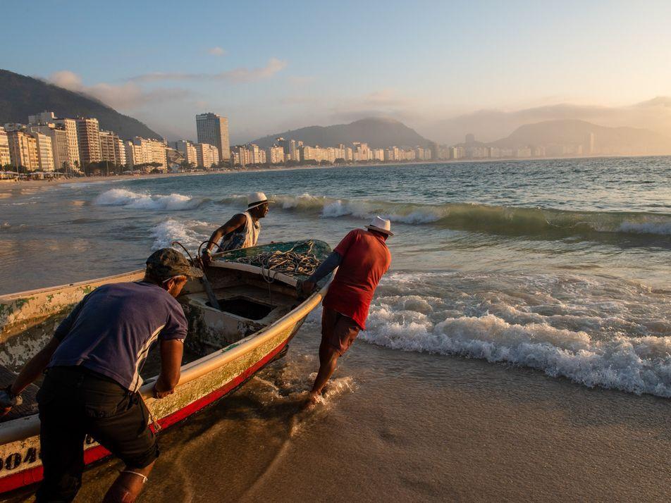 Os últimos pescadores de Copacabana