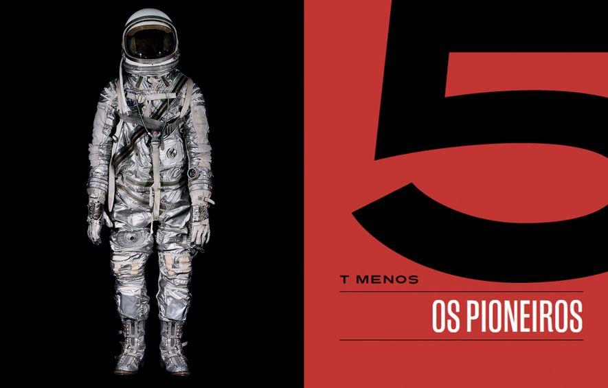 John Glenn usou este traje, com 27 zíperes para melhor ajuste, ao ser posto em órbita ao redor da Terra, em fevereiro de 1962.
