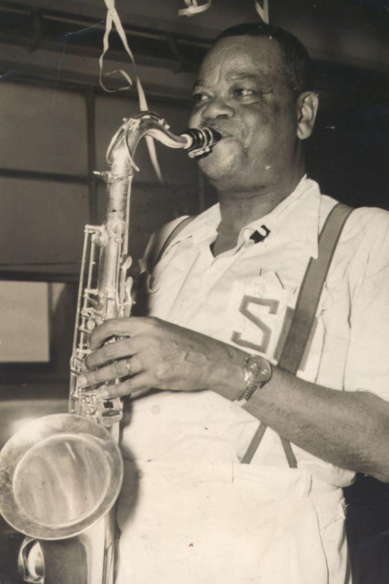 Nascido Alfredo da Rocha Viana Filho, no Rio de Janeiro, em 1897, e morto em 1973, Pixinguinha ...
