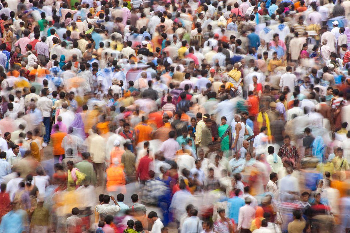 multidão na índia