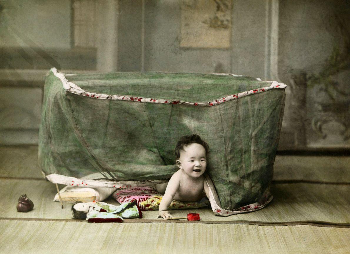 foto colonizada de bebê japonês