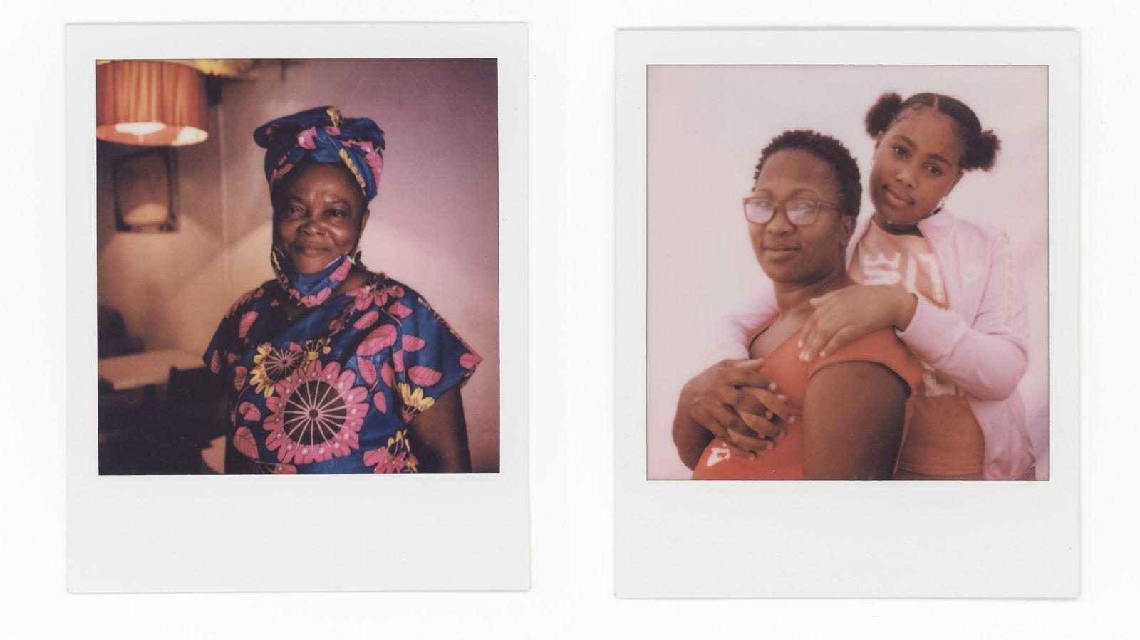 À esquerda: Adelaide Costa, 59 anos, posa para um retrato no seu café. À direita: Alda e Lurdes Pontes, ...