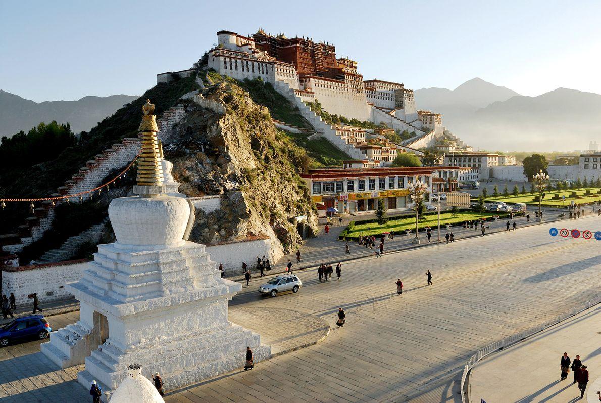 Potala Palace, na Montanha Vermelha, no Vale Lhasa