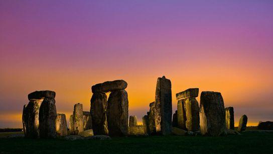 Stonehenge, concluído há cerca de 4,6 mil anos, pode ter sido parcialmente construído a partir de ...