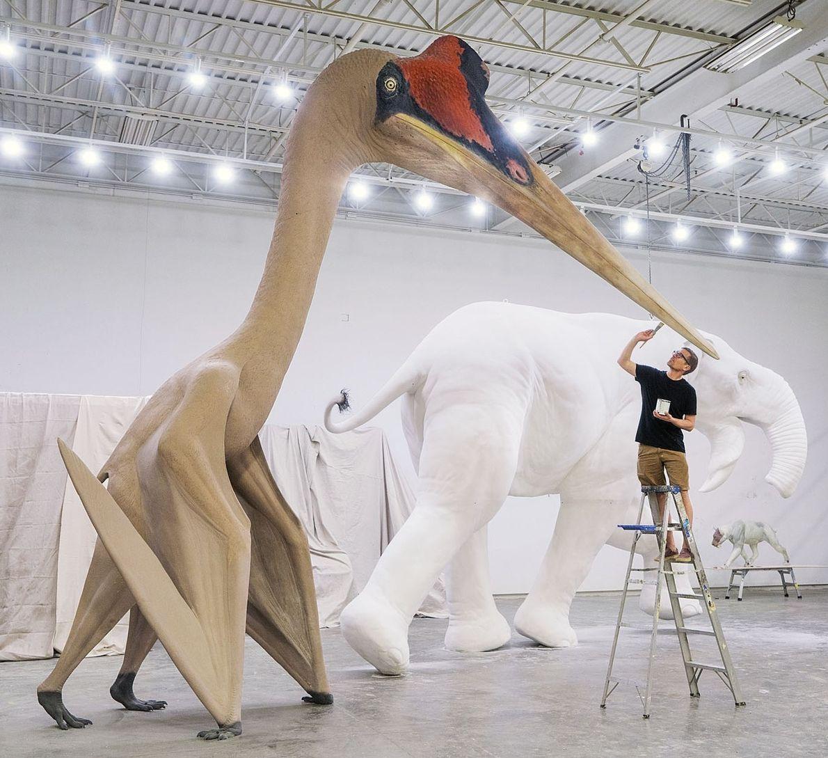 Quase do tamanho de uma girafa e com a envergadura das asas de um caça F-16, ...