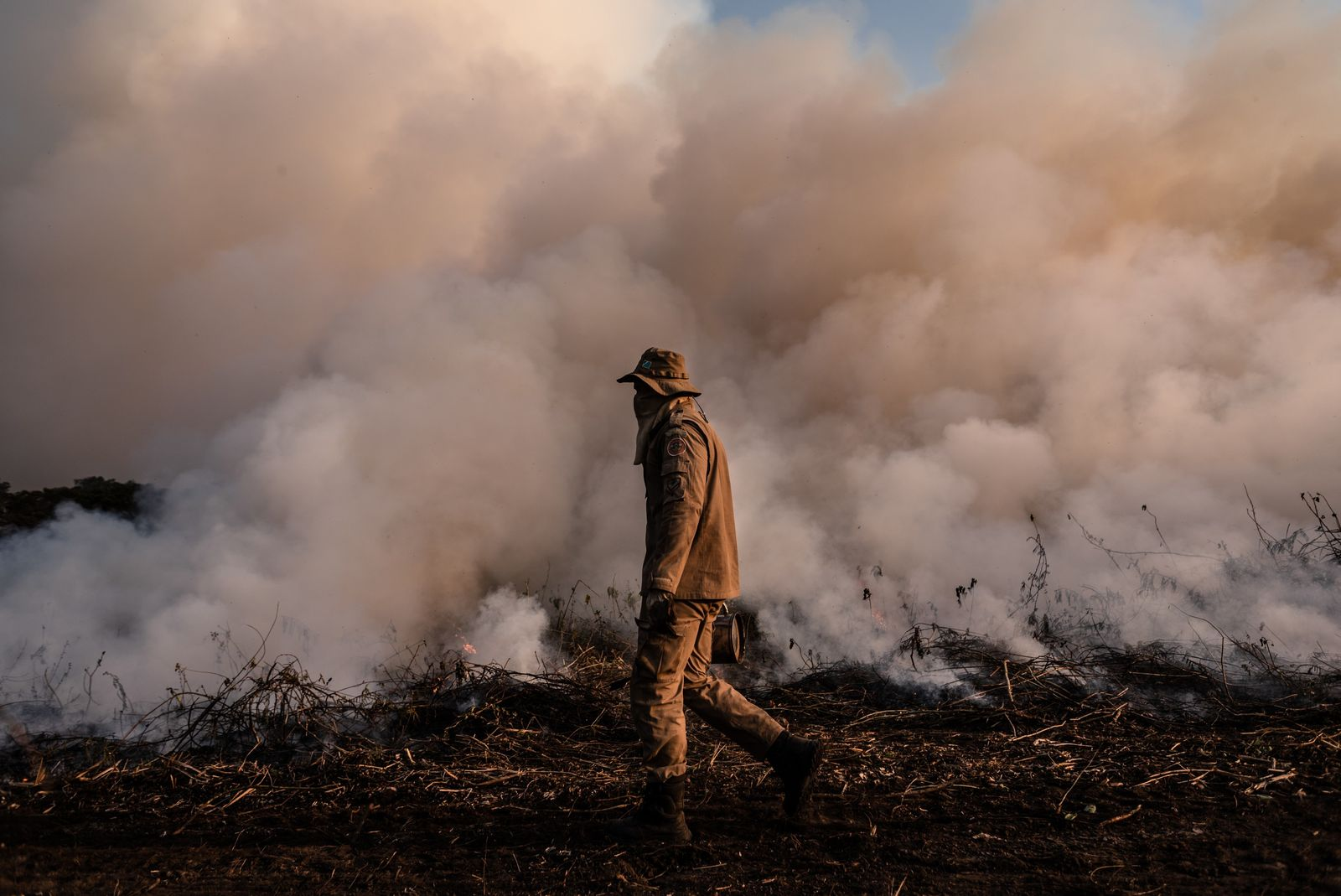 bombeiros contra queimadas pantanal