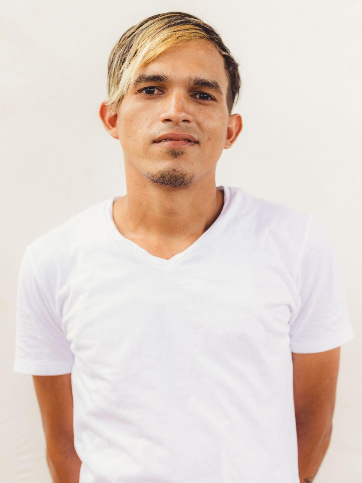 Arnaldo Andys Perez Bello tem experiência com pintura, mecânica e construção civil.