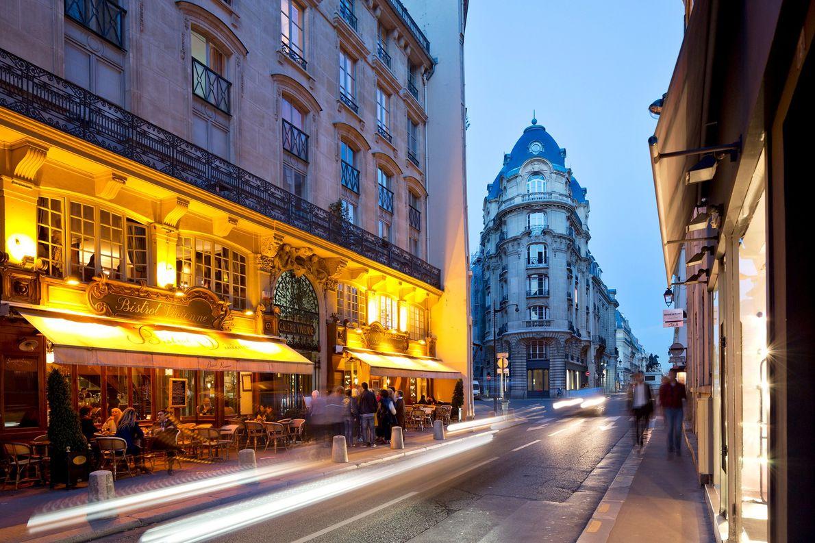 4. PARIS
