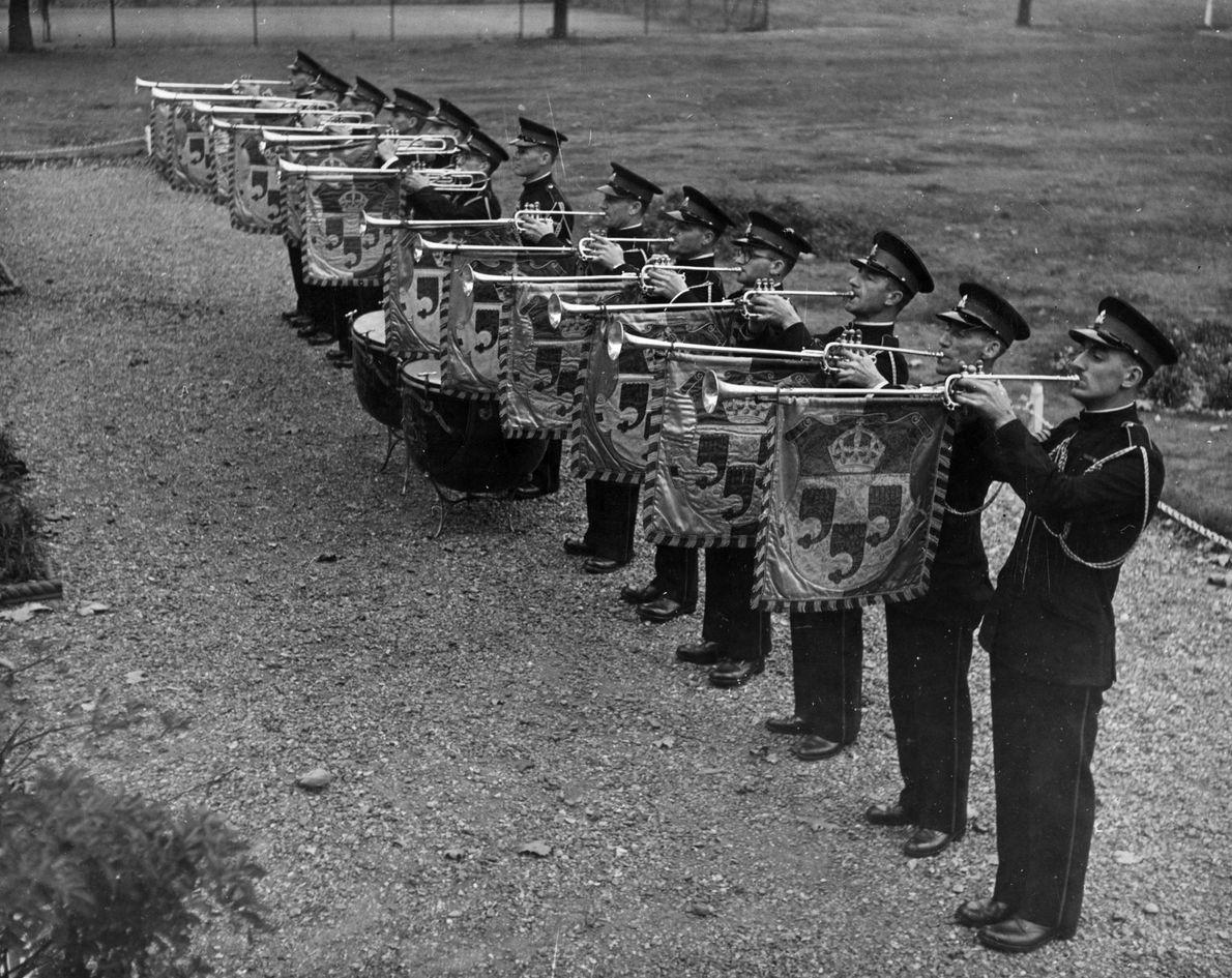 casamento-real-tradicao-principe-harry-trompetes