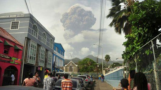 Por que o vulcão em erupção no Caribe tem uma reputação tão mortífera?