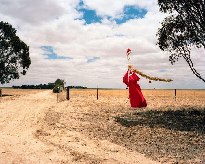 """Um Papai Noel """"do sertão"""" curte a brisa no sul da Austrália em 2006."""