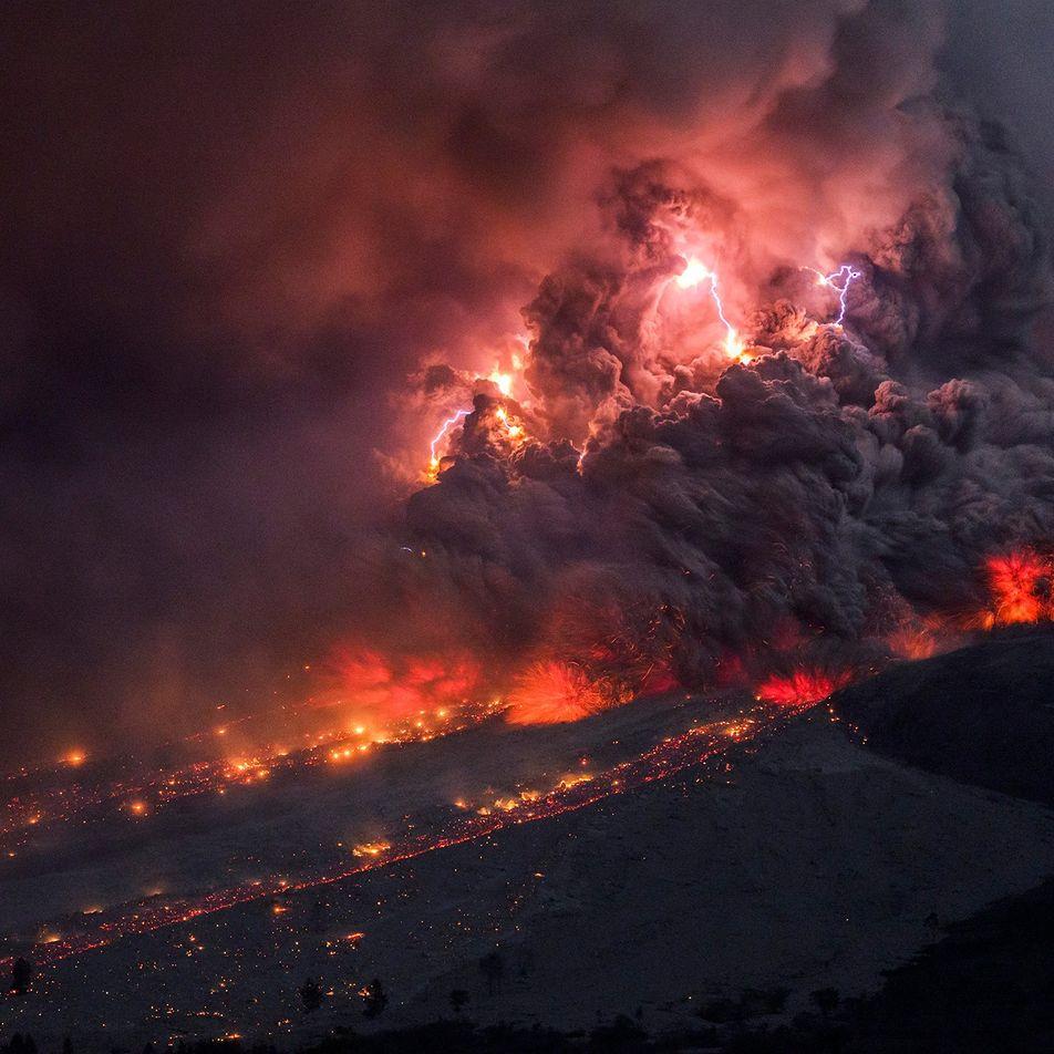 Raios vulcânicos podem ajudar a prever grandes erupções