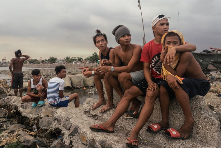 Cerca de um quarto dos 12 milhões de habitantes de Manila são moradores de favelas.