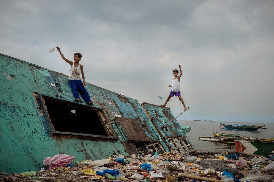 Manila é o lar de centenas de favelas. Alguns consideram o turismo em favelas uma oportunidade ...