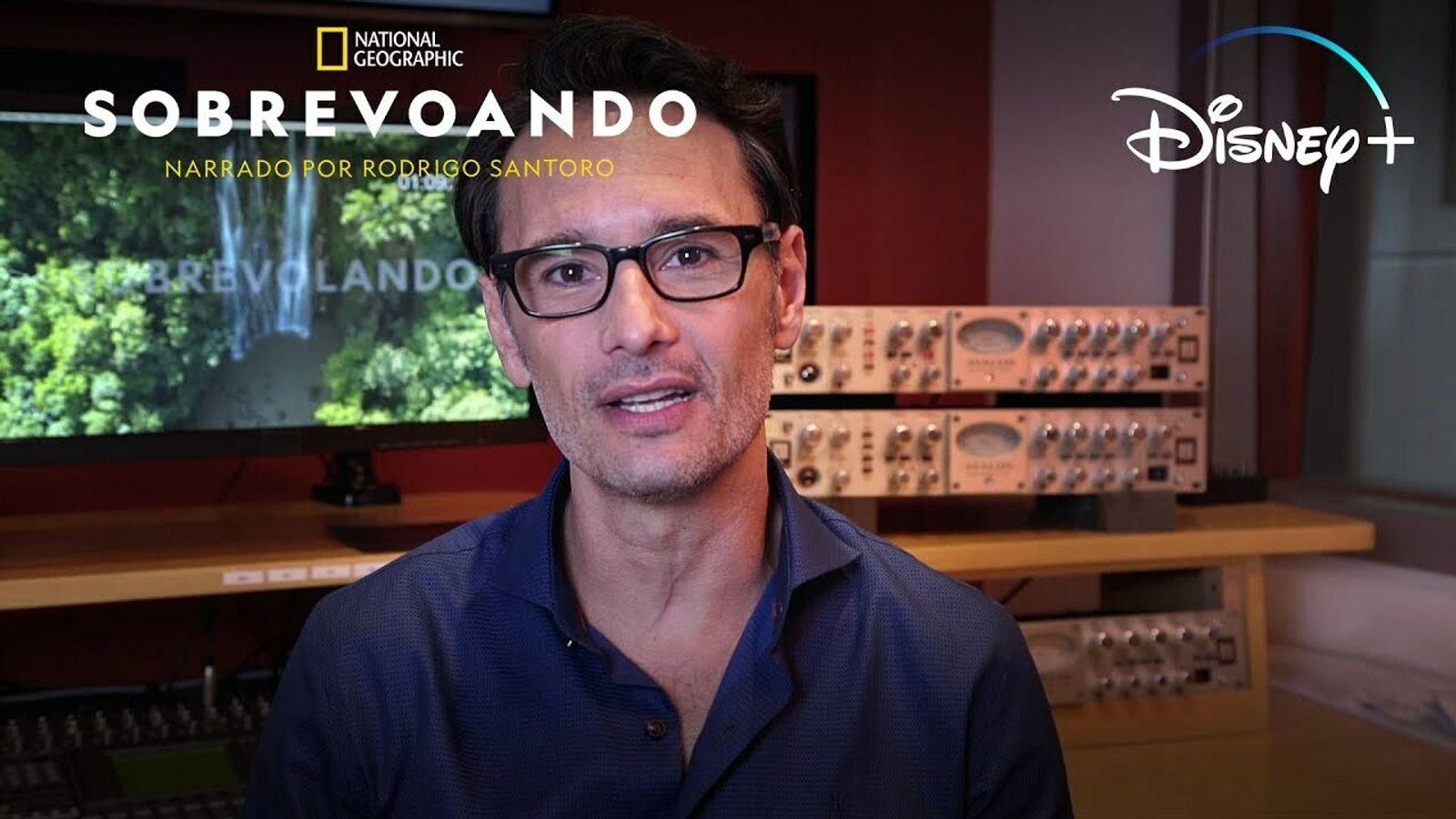 Narrada por Rodrigo Santoro, esta série explora, do alto, a geografia, história e cultura de oito ...