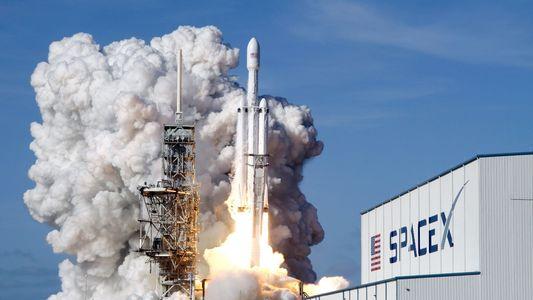 Entenda o plano da SpaceX de enviar turistas à lua