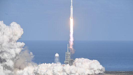 Lançamento bem-sucedido – o foguete Falcon Heavy faz história