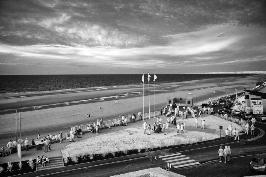 Memórias do Dia D ganham nova vida nas praias da Normandia