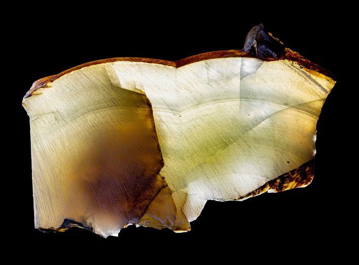 Camadas de cristal como essas, formadas há 200 mil anos abaixo do manto de gelo da ...