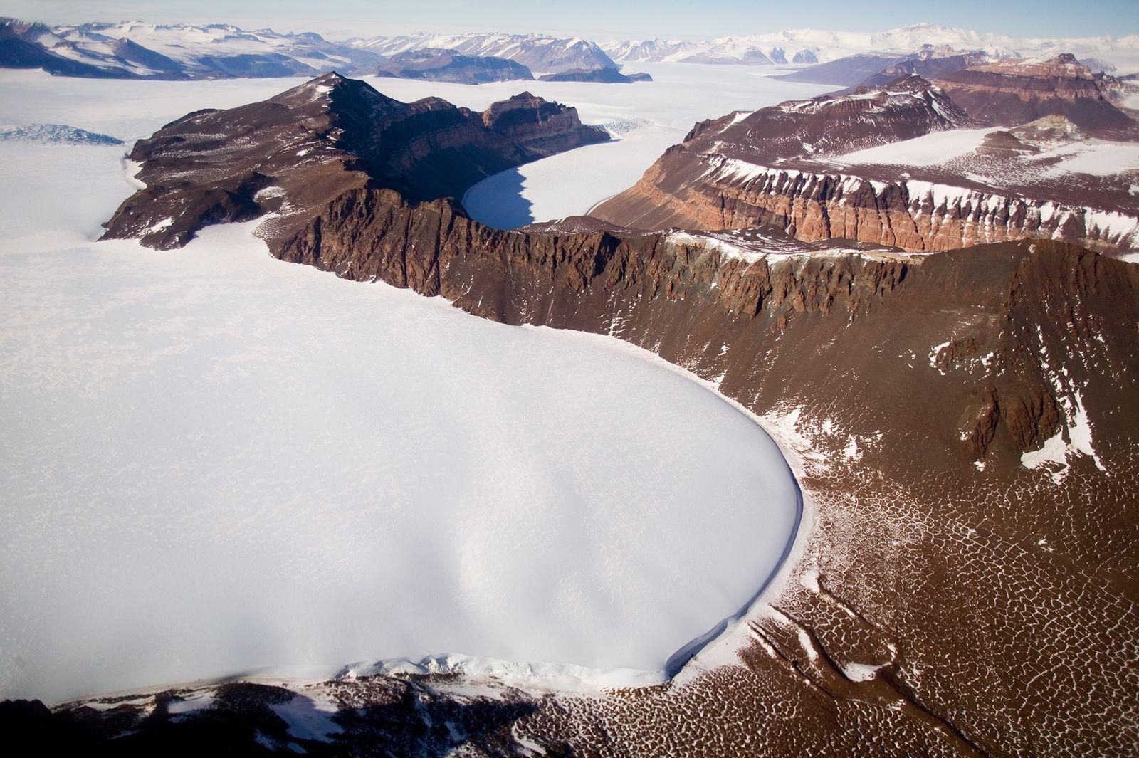 Novo estudo conclui que o manto de gelo da Antártida Oriental entrou em colapso muito mais ...
