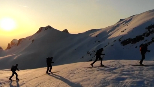 Grupo de alpinistas cruza os Alpes em 36 dias