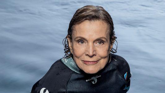 Sylvia Earle lança livro e ouve de Temer a promessa de criar reservas marinhas