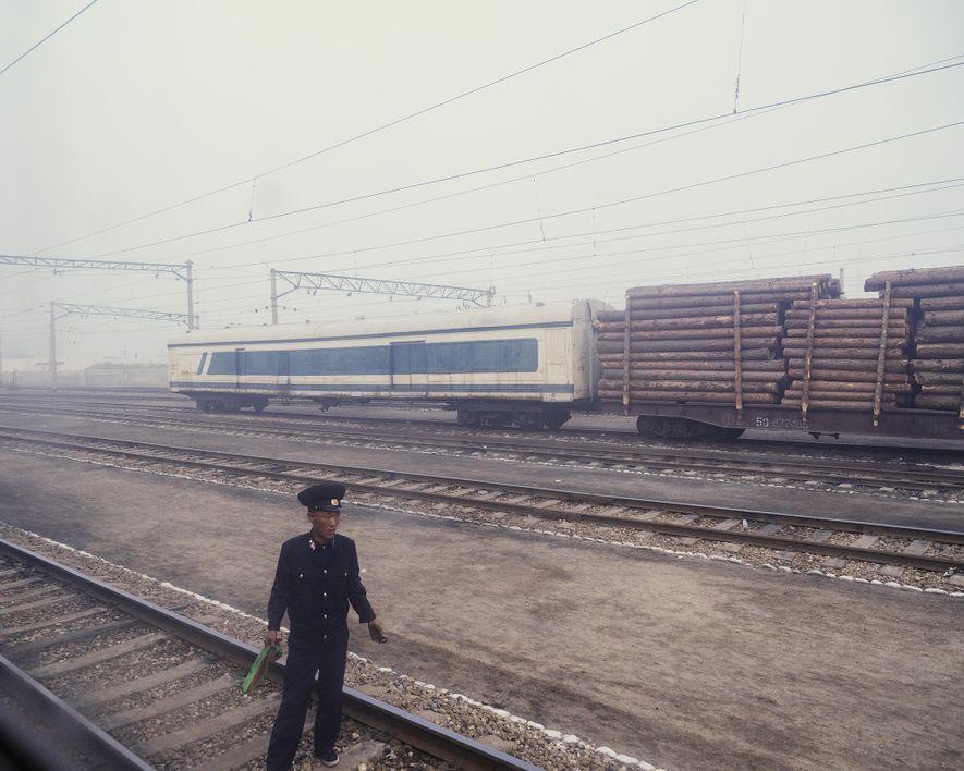 A neblina na estação de trem Chongjin, uma parada na rota ferroviária de Pyongyang a Rason.