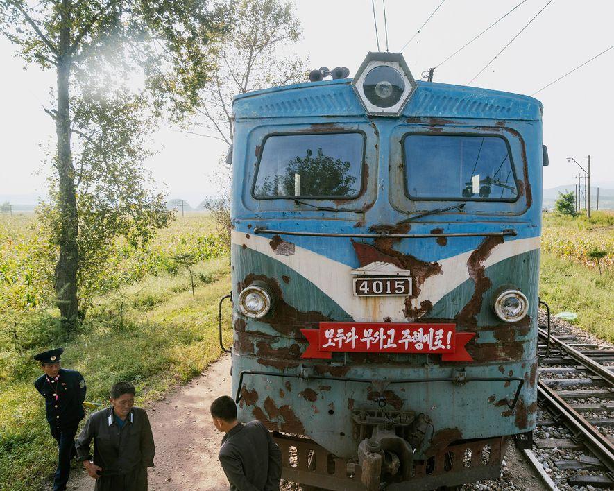 Embarque em um trem pelo interior raramente visto da Coreia do Norte