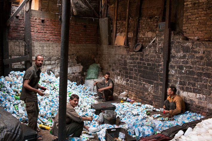 foto de garbage city no Cairo