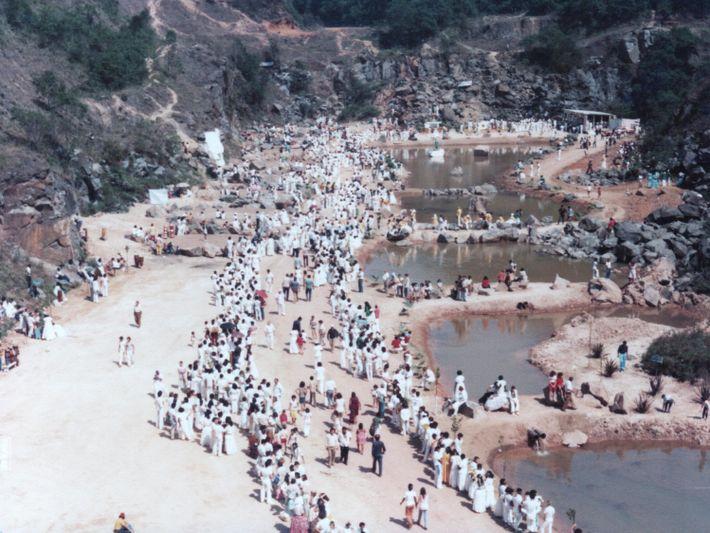 Poços de rejeito da pedreira Montanhão em 1978. Mesmo antes de ser desativada na década de 1960, ...