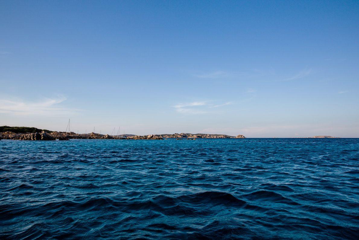 agua-mar-ilha-budelli-italia