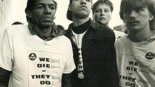 Fundada em Nova York quando o HIV/aids se espalhou pela comunidade gay da cidade em 1987, ...