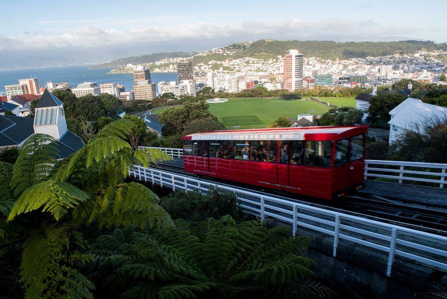 O teleférico de Wellington conecta Lambton Quay ao Jardim Botânico de Wellington, com belas vistas no ...