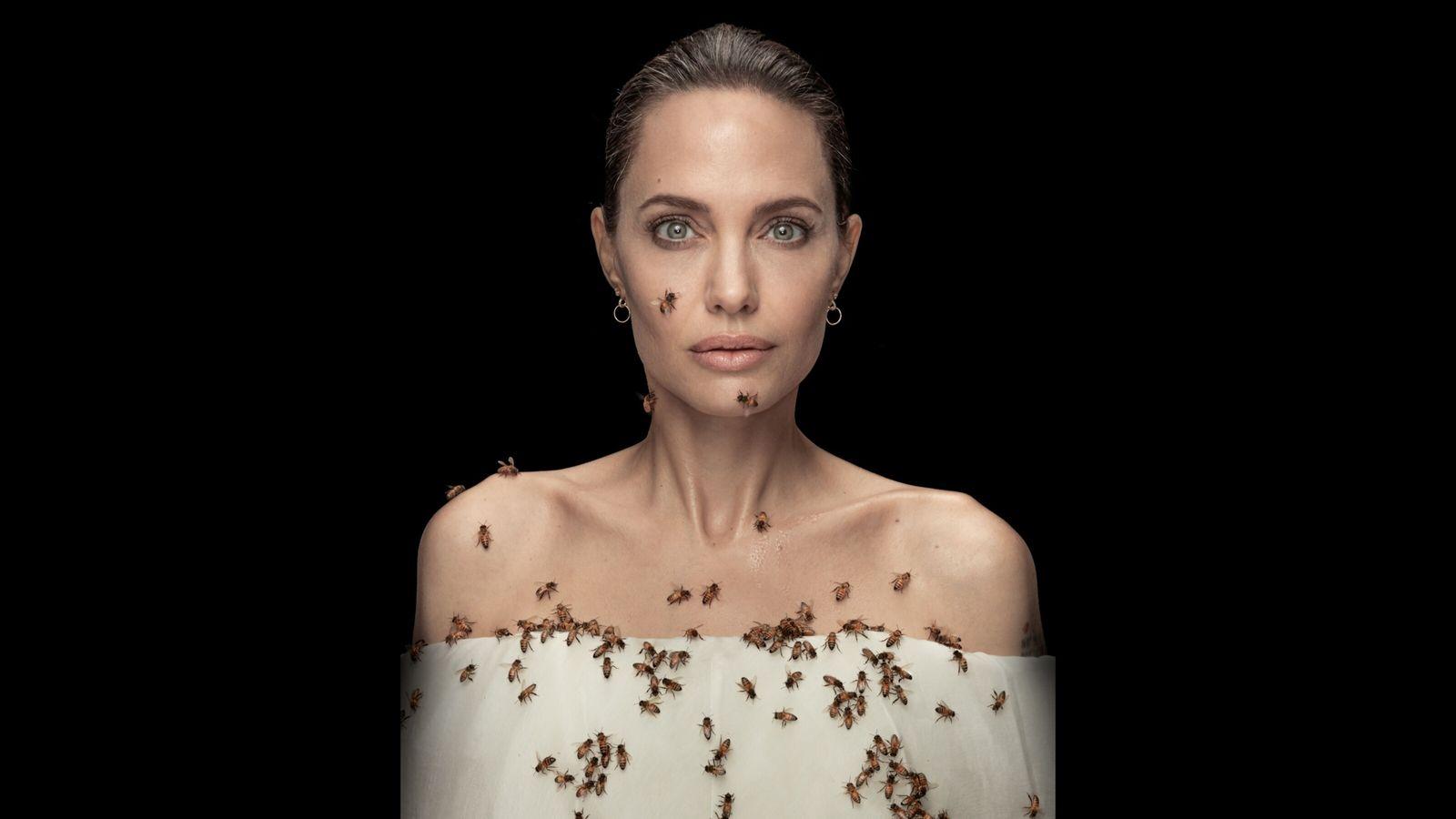 Para promover a iniciativa para o Dia Mundial das Abelhas, em colaboração com a National Geographic. ...